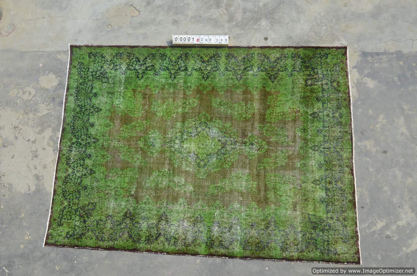 Vintage klassiek vloerkleed  uit Iran nr 0001 ( 395cm x 290cm) tapijt wat een nieuwe hippe trendy kleur heeft gekregen.