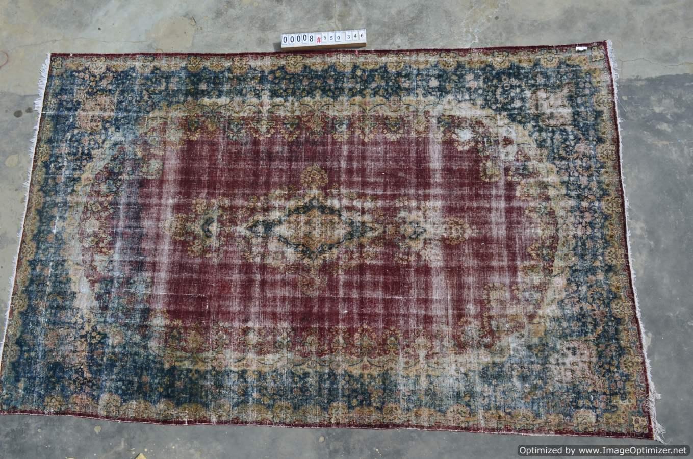 Vintage klassiek vloerkleed  uit Iran nr 008 ( 550cm x 346cm) tapijt wat een nieuwe hippe trendy kleur heeft gekregen.