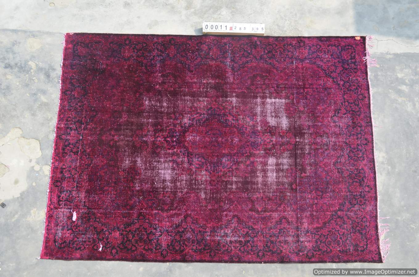 Vintage klassiek vloerkleed  uit Iran nr 0011 ( 395cm x 285cm) tapijt wat een nieuwe hippe trendy kleur heeft gekregen.