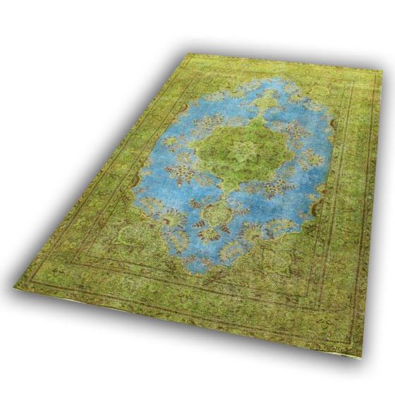 Perzisch tapijt 005 (306cm x 198cm) U kunt dit kleed bij ons online bestellen maar u kunt het ook bekijken en eventueel kopen bij Vos Interieur in Groningen.