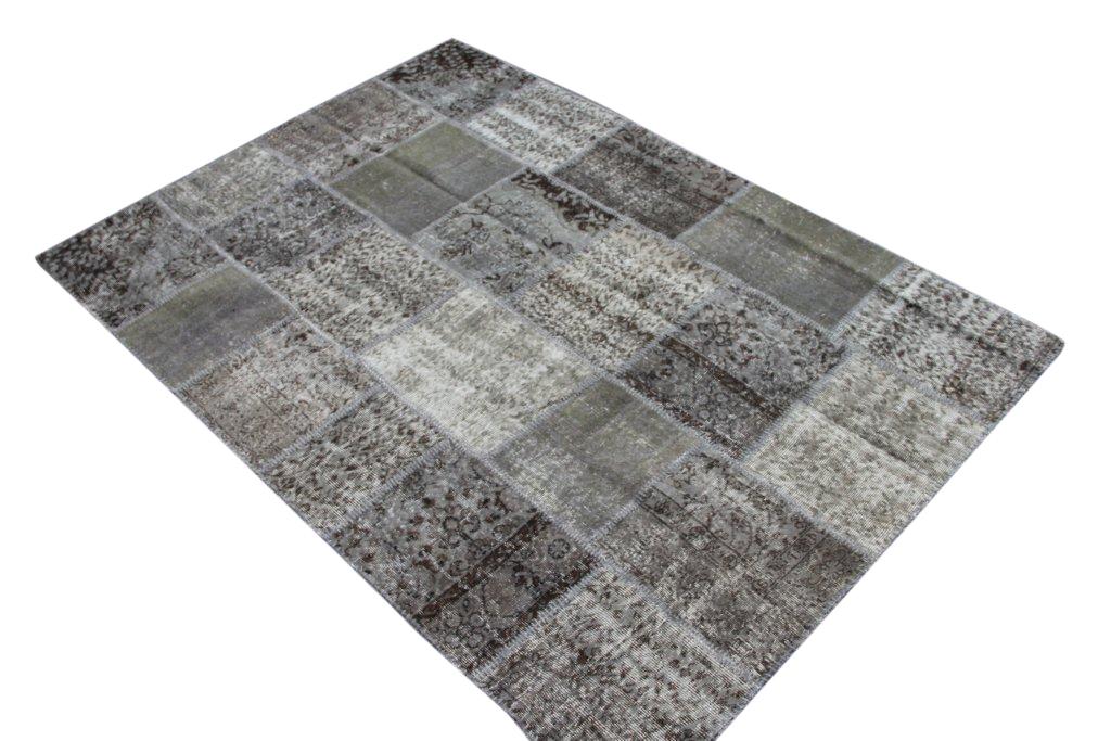 Grijs patchwork vloerkleed 009 (240cm x 170cm) gemaakt van oude recoloured vloerkleden