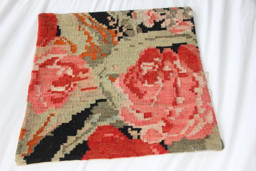Kelimkussen E020 (45cm x 45cm) wollen kussen van oude rozenkelim.