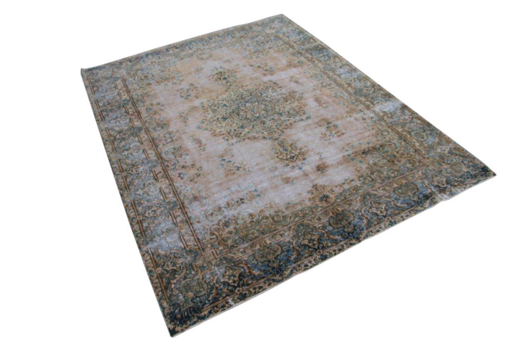 Recoloured klassiek vloerkleed nr 0022 (290cm x 228cm) tapijt wat een nieuwe hippe trendy kleur heeft gekregen.