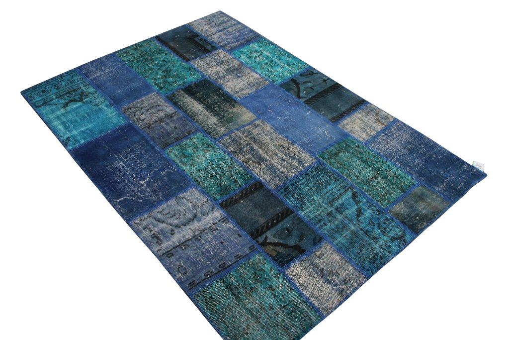 Patchwork vloerkleden   025  (241cm x 170cm) gemaakt van oude recoloured vloerkleden incl.onderkleed van katoen.