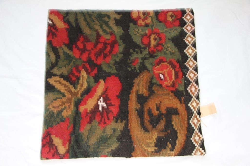 UITVERKOOP: Kelim kussen  60cm x 60cm, handgeweven uit Moldavië, no 38 (zonder binnen kussen)