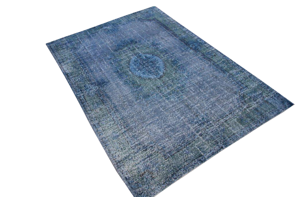 Recoloured klassiek vloerkleed nr 1027 (278cm x 198cm) tapijt wat een nieuwe hippe trendy kleur heeft gekregen.