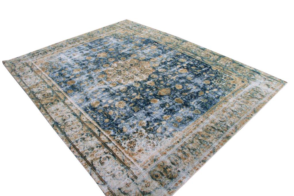 Zeer groot oud vloerkleed 1033 (388cm x 290cm) groot vloerkleed wat een nieuwe hippe trendy kleur heeft gekregen.