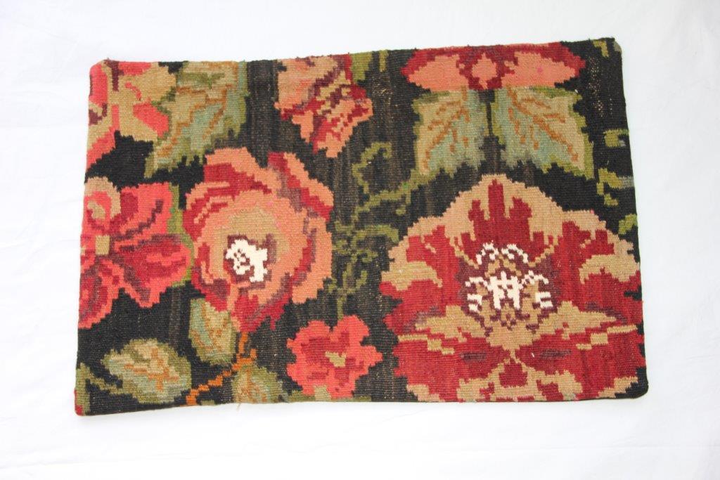 Kelim kussen  60cm x 40cm, handgeweven uit Moldavië, no 105 wordt geleverd incl. binnenkussen