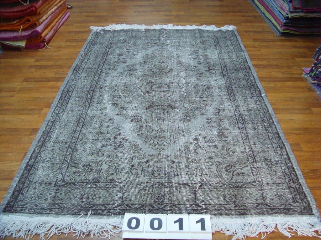 Grijs vloerkleed no 0011 (268cm x 163cm) vloerkleed wat een nieuwe hippe trendy kleur heeft gekregen.