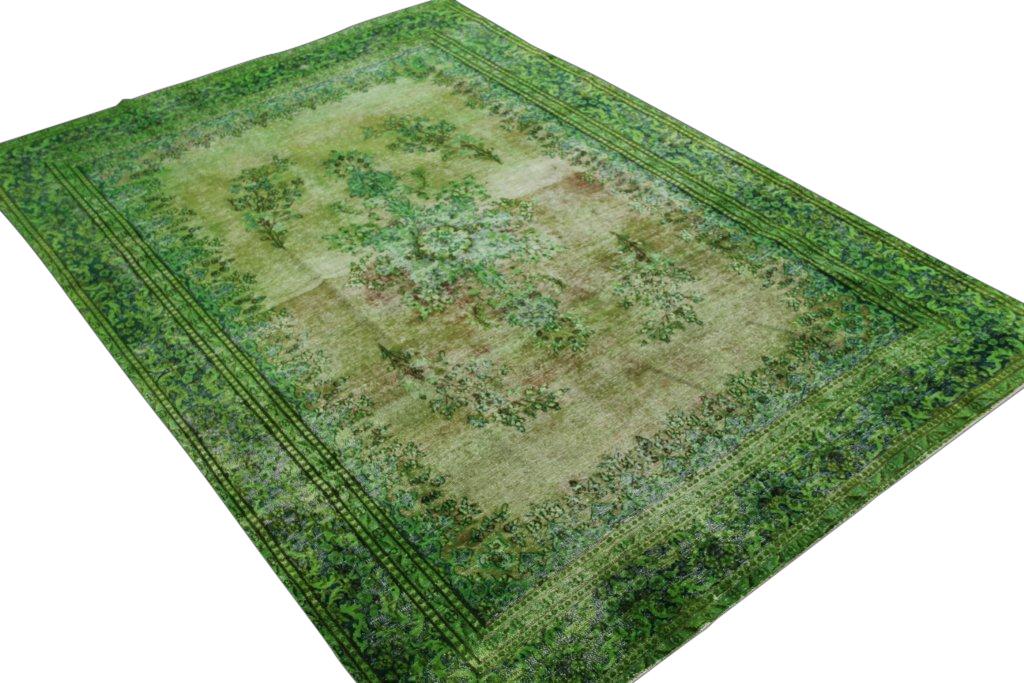 Recoloured klassiek vloerkleed nr 113 (300cm x 206cm) tapijt wat een nieuwe hippe trendy kleur heeft gekregen.