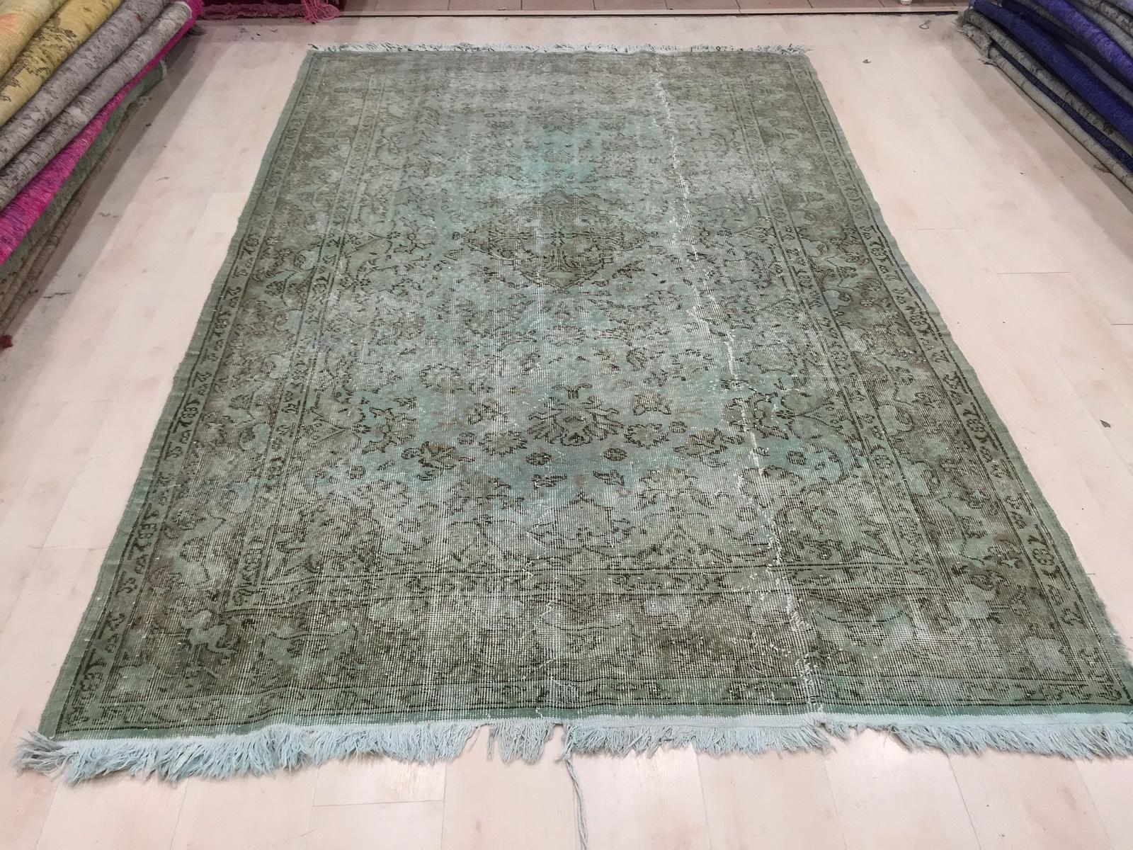 Recoloured  vintage vloerkleed  uit Turkije 272cm x 173cm , no 1161
