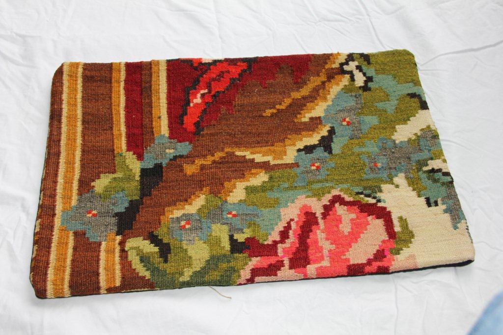 Kelim kussen  60cm x 40cm, handgeweven uit Moldavië, no 1169 wordt geleverd incl. binnenkussen