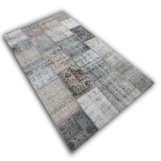 Grijs patchwork vloerkleed (302cm x 177cm)