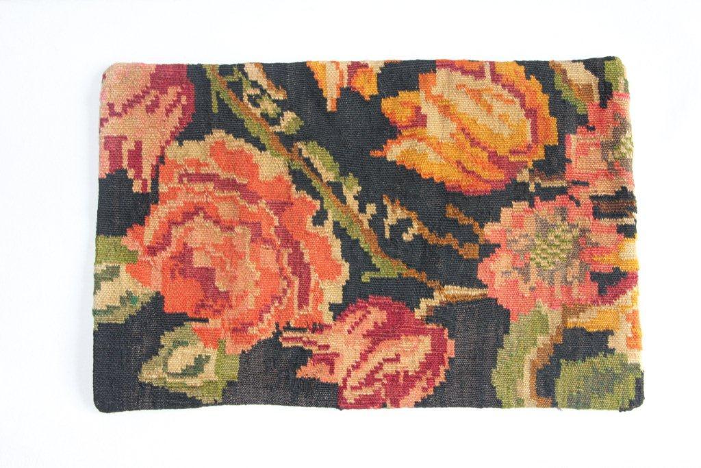 Rozenkelim kussen nr 12010 (60cm x 40cm) Kussen gemaakt van authentieke rozenkelim, inclusief binnenkussen