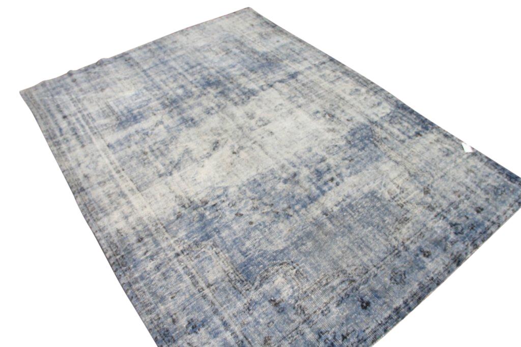 Jeansblue vloerkleed 1249  (308cm x 233cm) vloerkleed wat een nieuwe hippe trendy kleur heeft gekregen.
