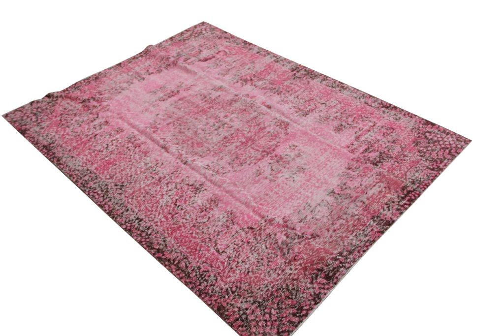 Roze authentiek tapijt no 1269 (261cm x 201cm) vloerkleed wat een nieuwe hippe trendy kleur heeft gekregen.