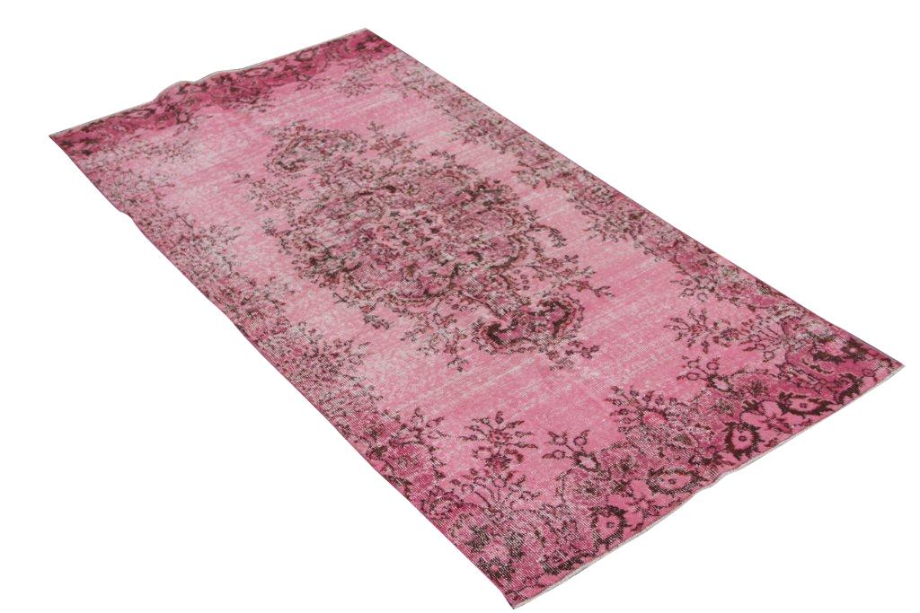 Roze vloerkleed 1299   (218cm x 108cm) groot vloerkleed wat een nieuwe hippe trendy kleur heeft gekregen.
