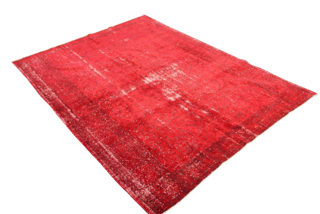 Rood authentiek tapijt no 1308 (300cm x 220cm) vloerkleed wat een nieuwe hippe trendy kleur heeft gekregen.