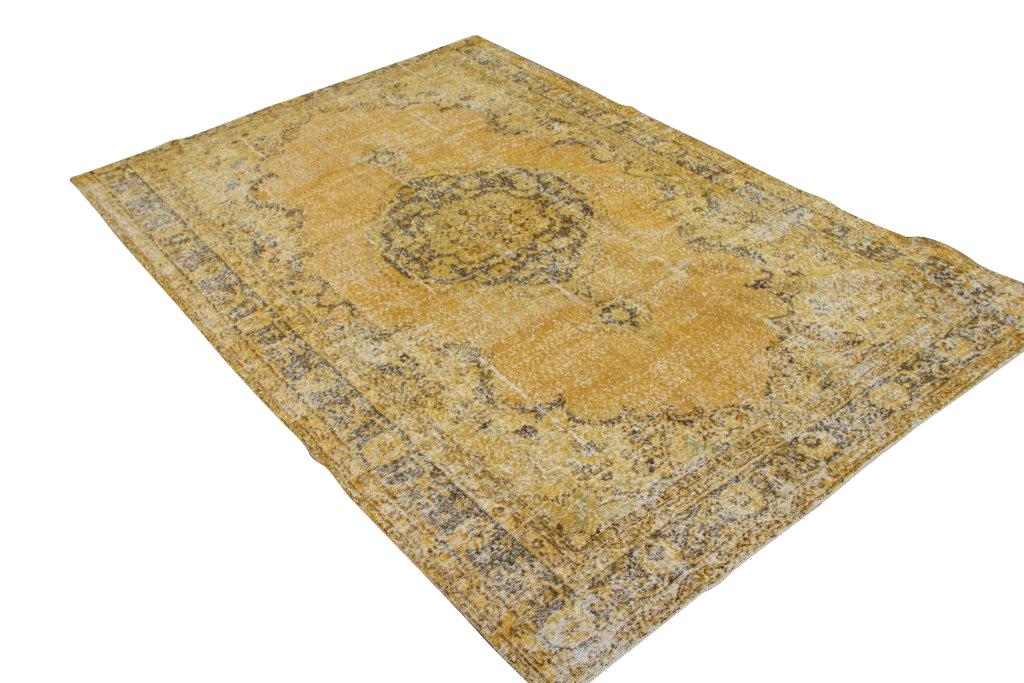 Okergeel tapijt no 1445 (304cm x 206cm) vloerkleed wat een nieuwe hippe trendy kleur heeft gekregen.