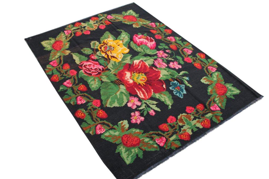 Kelim met rozen nr 147 (230cm x 170cm) Handgeweven kelim in perfecte staat 30 tot 80 jaar oud.