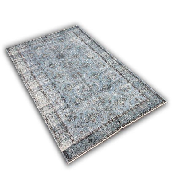 Recoloured tapijt 151 (306cm x 190cm)