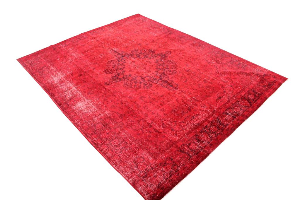 Recoloured vintage rood vloerkleed nr 161 (322cm x  230cm) Verkocht!