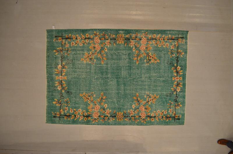 NIEUW INGEKOCHT  blauw vintage vloerkleed  uit Turkije 255cm x 174cm, no 1610(nu bestelbaar, leverbaar vanaf 10 juli)