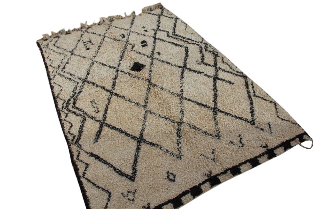 VERKOCHT!! Beni Ouarain vloerkleed uit Marokko no 16502  295cm x 210cm