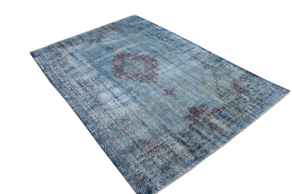 Blauw authentiek vintage vloerkleed no 1688 (314cm x 206cm) vloerkleed wat een nieuwe hippe trendy kleur heeft gekregen.