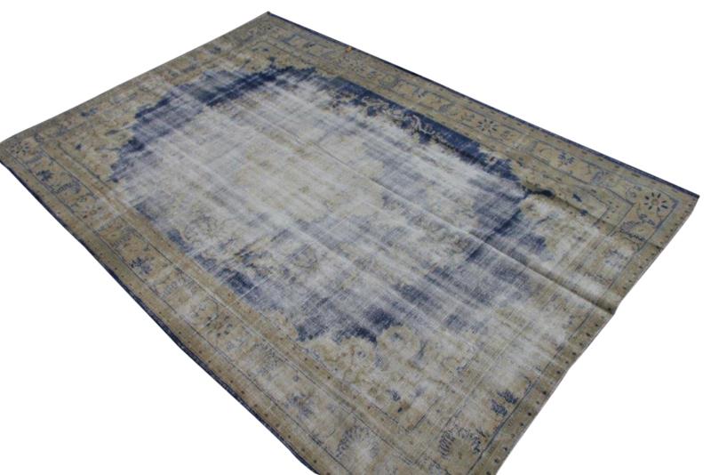 Sold! Vintage vloerkleed nr 169 (317cm x 221cm)