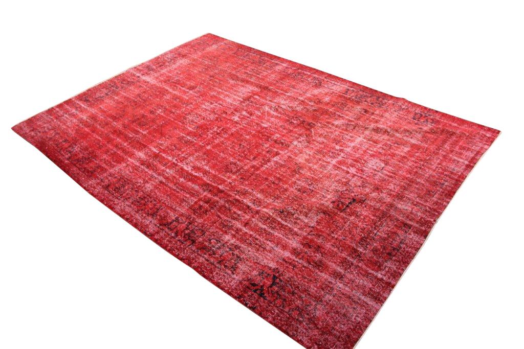Rood  authentieke tapijt no 1709 (324cm x 237cm) vloerkleed wat een nieuwe hippe trendy kleur heeft gekregen.