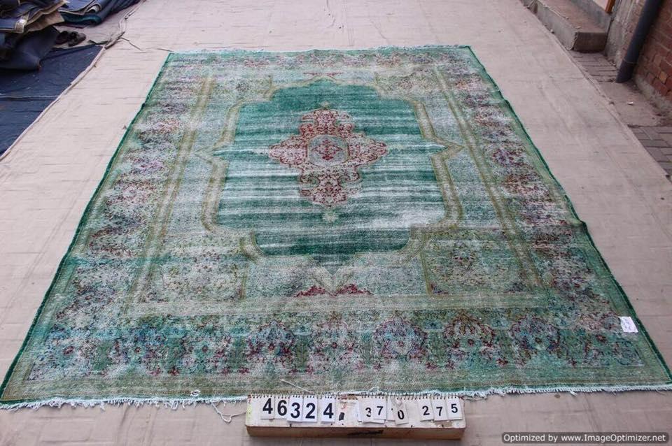 Groot groen vintage vloerkleed 370cm x 275cm