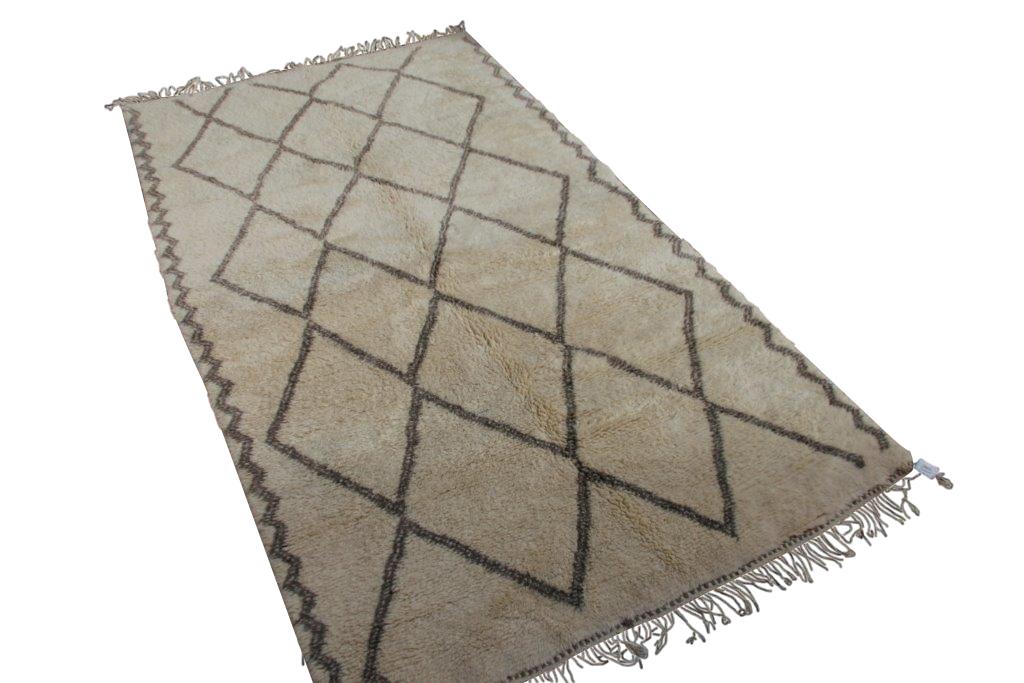 Beni Ouarain vloerkleed uit Marokko no 18301  315cm x 175cm (kleed komt binnenkort in Ariadne at Home)