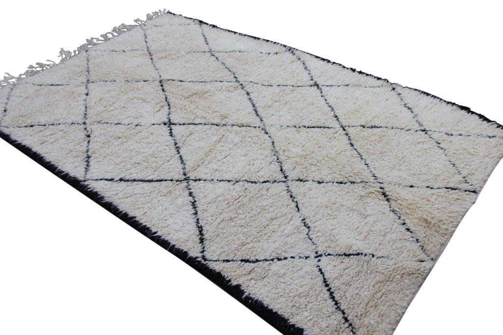 VERKOCHT Beni Ouarain vloerkleed uit Marokko no 1833  260cm x 173cm