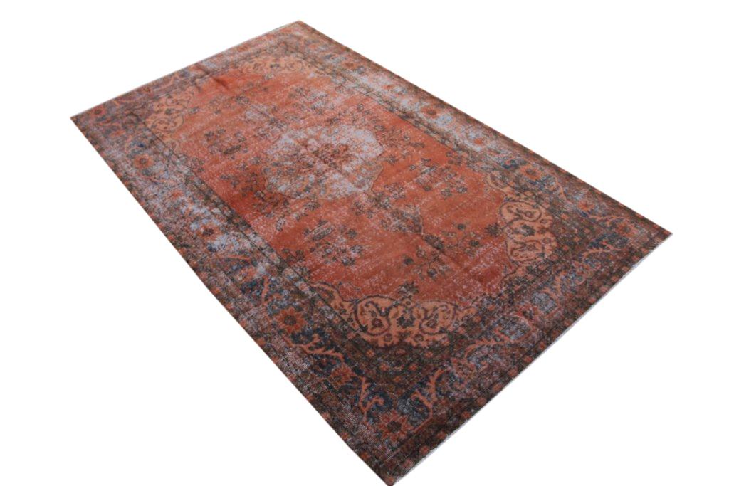Recoloured  vintage vloerkleed  uit Turkije 302cm x 176cm, no 186
