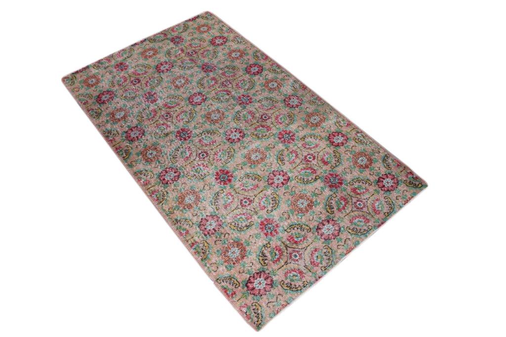 Vintage vloerkleed  uit Turkije 204cm x 120cm, no 2071
