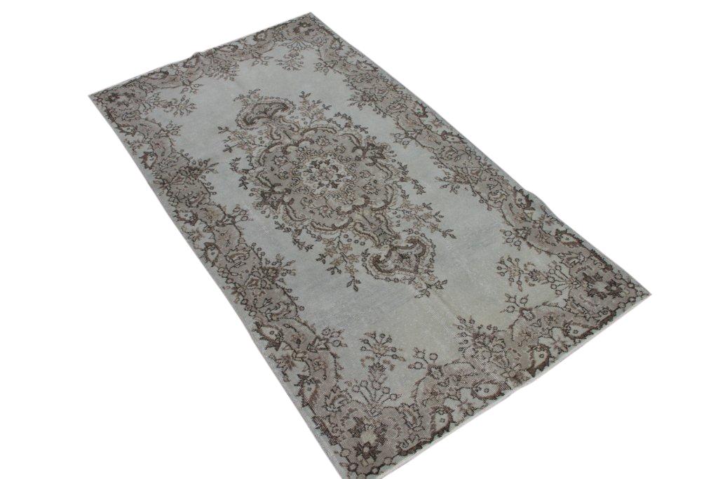 Vloerkleed 222 (215cm x 116cm) groot vloerkleed wat een nieuwe hippe trendy kleur heeft gekregen.