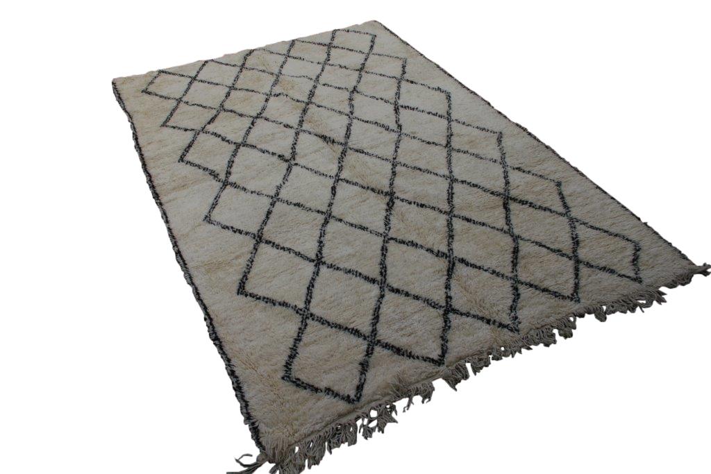 Beni Ouarain vloerkleed uit Marokko no 2593 (307cm x 217cm)