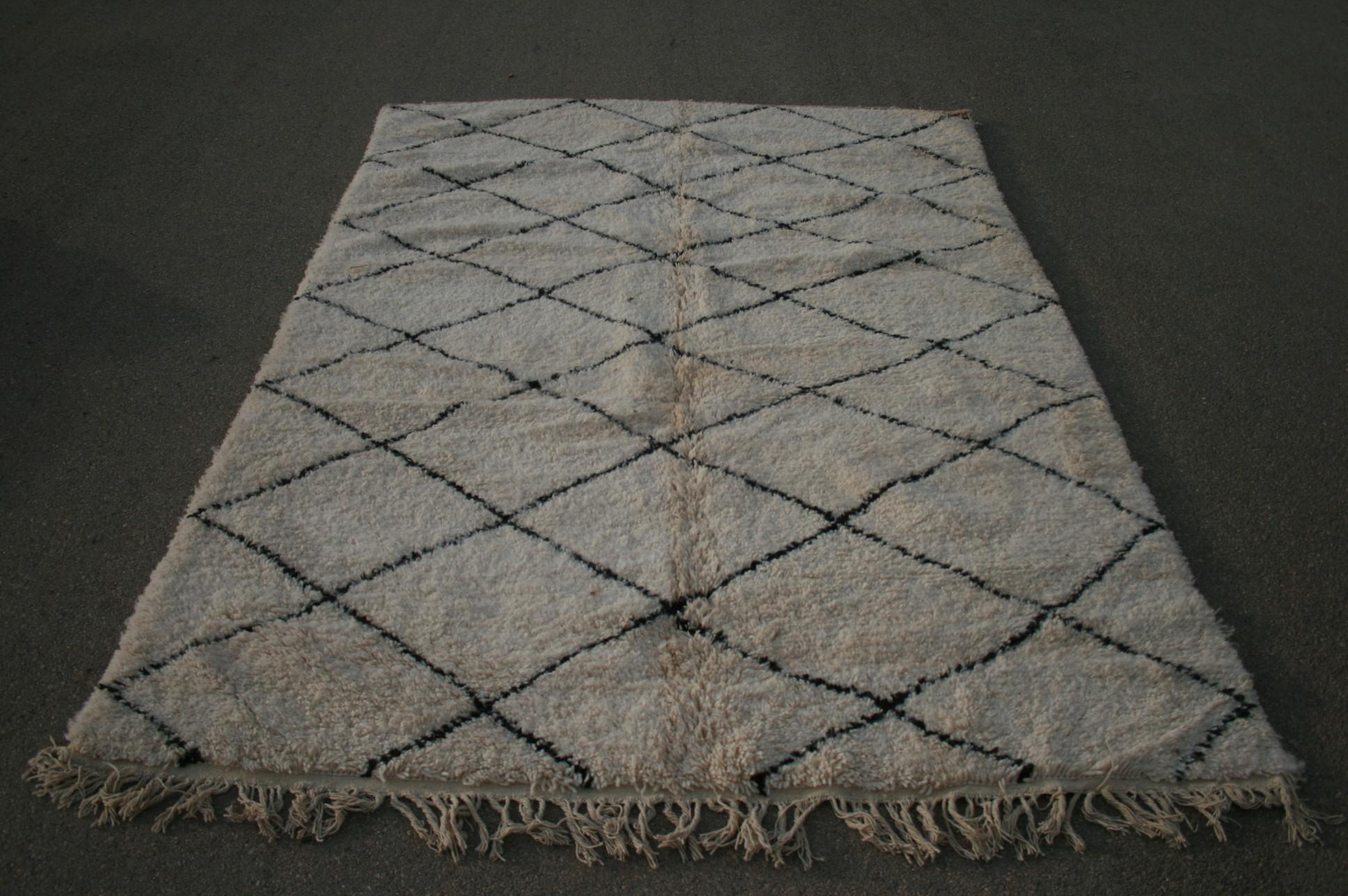 Ivoorwit Beni Ouarain vloerkleed uit Marokko no 2626 (300cm x 210cm)