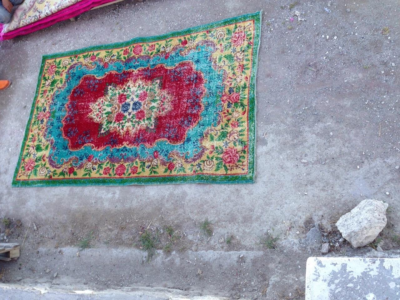 VERKOCHT!!!  vintage vloerkleed  uit Turkije 257cm x 158cm, no 2772