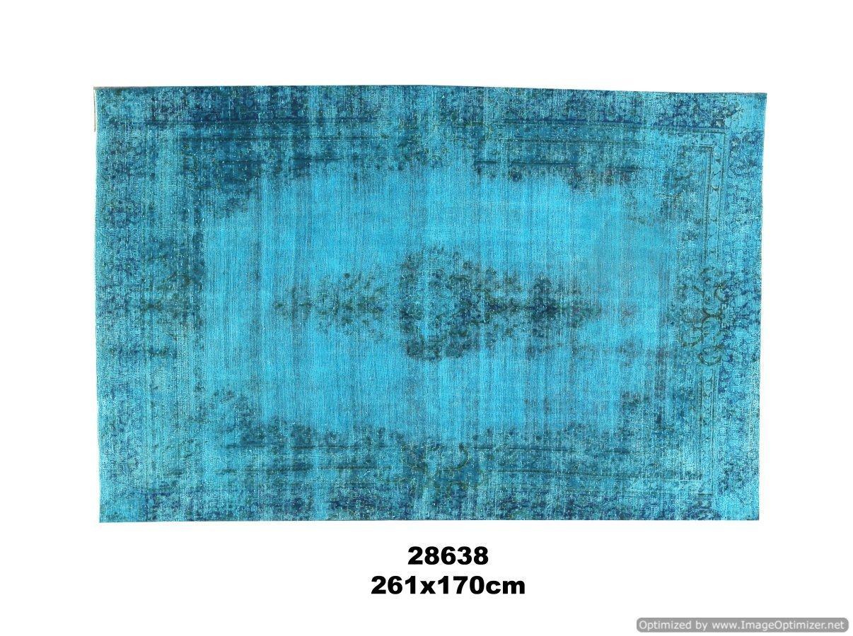 Turquoise kleurig vintage tapijt no 28638 (261cm x 170cm) vloerkleed wat een nieuwe hippe trendy kleur heeft gekregen.
