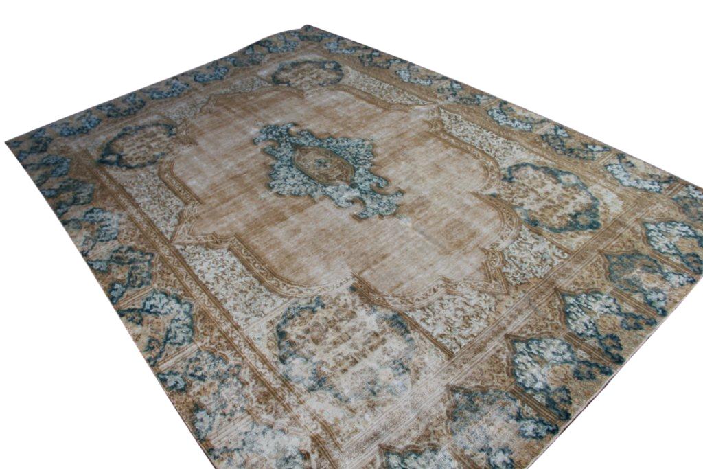 Vintage klassiek vloerkleed  uit Iran nr 29272 ( 407cm x 293cm) tapijt wat een nieuwe hippe trendy kleur heeft gekregen.