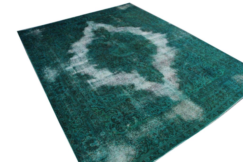 Recoloured  zeegroen vloerkleed nr 299 ( 378cm x 292cm) vloerkleed is helaas niet door de kwaliteits controle gekomen, er zit een naadje los langs de rand.