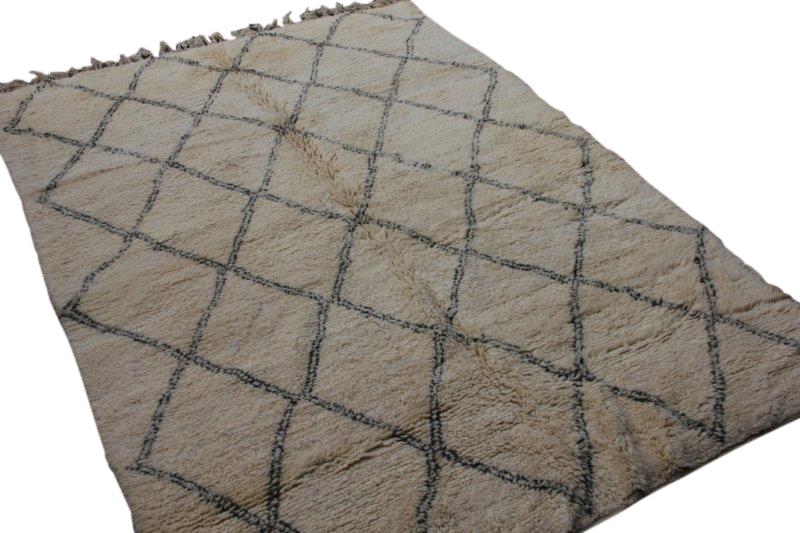 Ivoorwit Beni Ouarain vloerkleed uit Marokko no 3025 (290cm x 206cm)