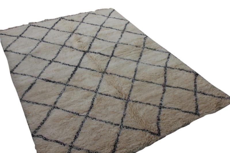 Ivoorwit Beni Ouarain vloerkleed uit Marokko no 3027 (300cm x 210cm)