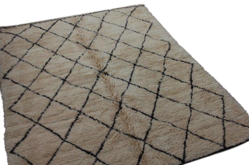 Ivoorwit Beni Ouarain vloerkleed uit Marokko no 3064 (273cm x 210cm)