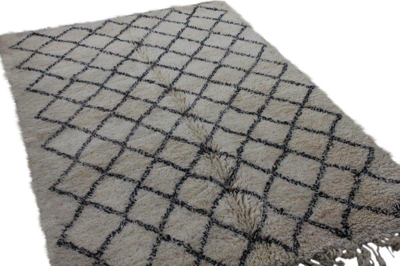Ivoorwit Beni Ouarain vloerkleed uit Marokko no 3067A (280cm x 200cm)