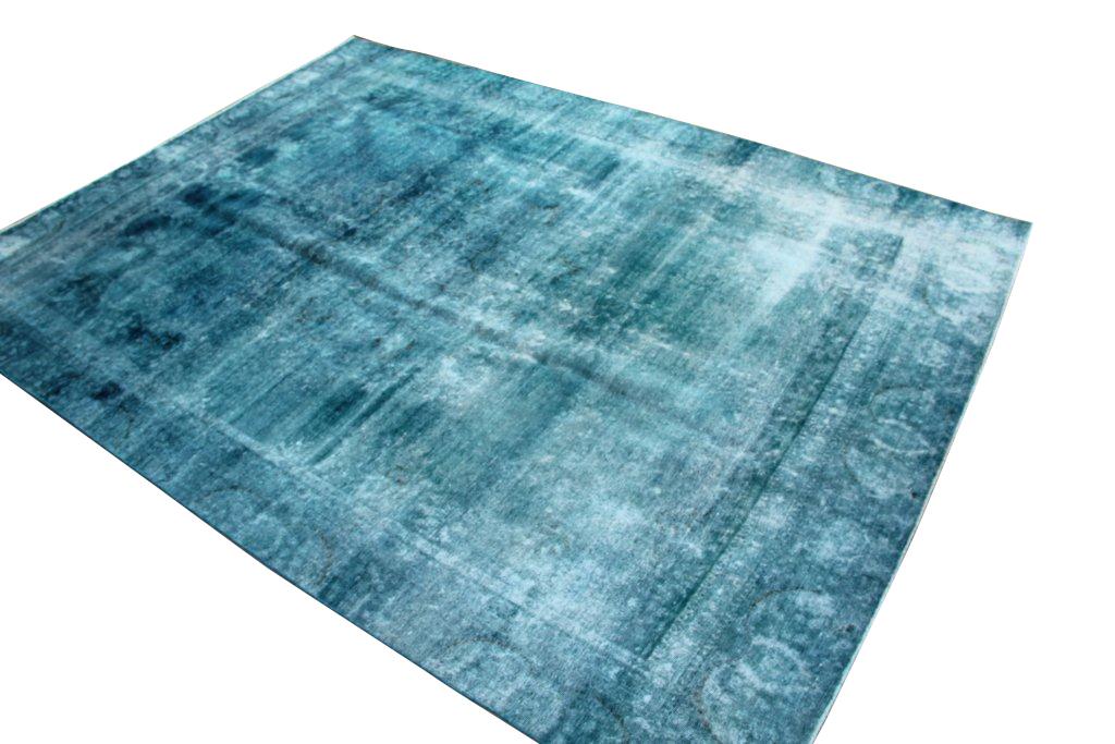Recoloured klassiek vloerkleed nr 31783 ( 353cm x 265cm) tapijt wat een nieuwe hippe trendy kleur heeft gekregen.