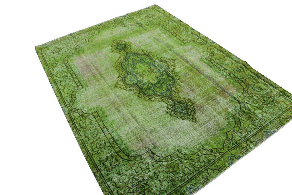 Recoloured klassiek vloerkleed nr 31785 ( 300cm x 220cm) tapijt wat een nieuwe hippe trendy kleur heeft gekregen. Gereserveerd!