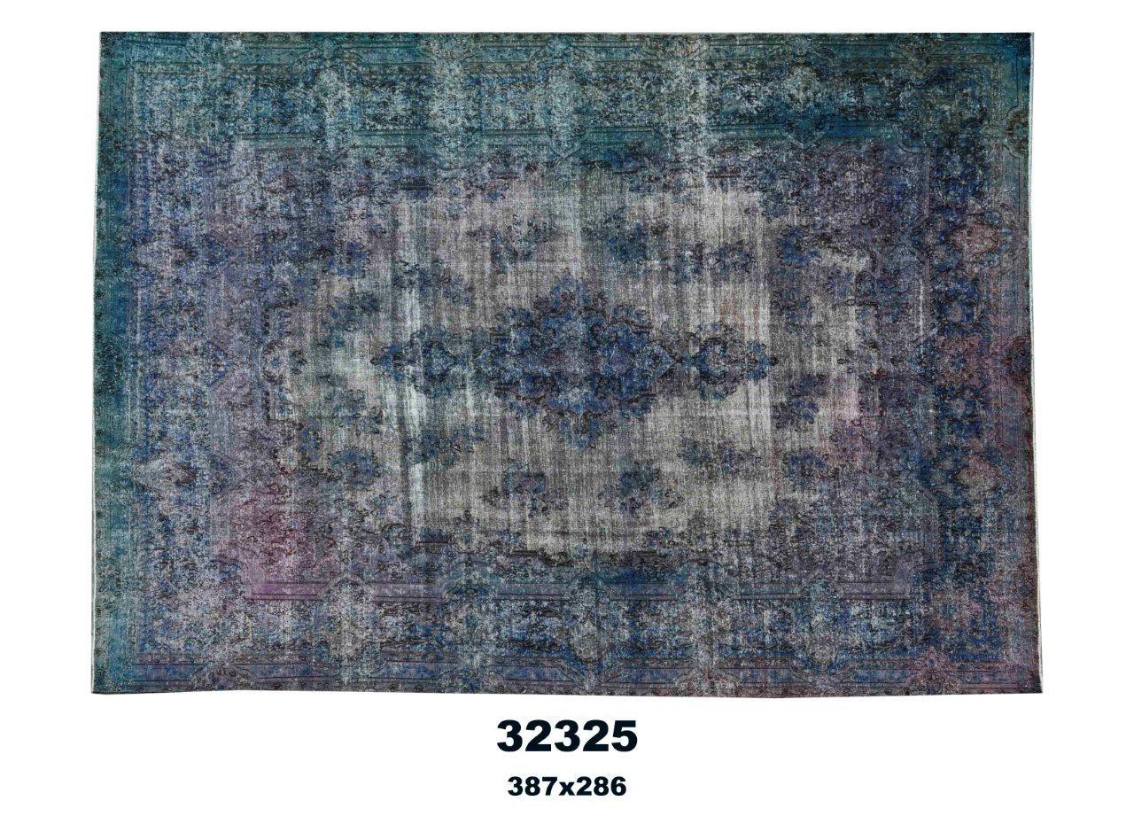 Donkerblauw vloerkleed no 32325(387cm x 286cm) groot vloerkleed wat een nieuwe hippe trendy kleur heeft gekregen.